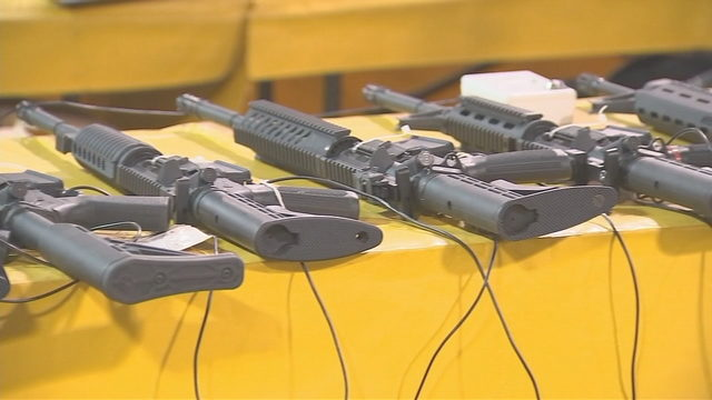 Owners, buyers at Orlando gun show must obey new ordinance