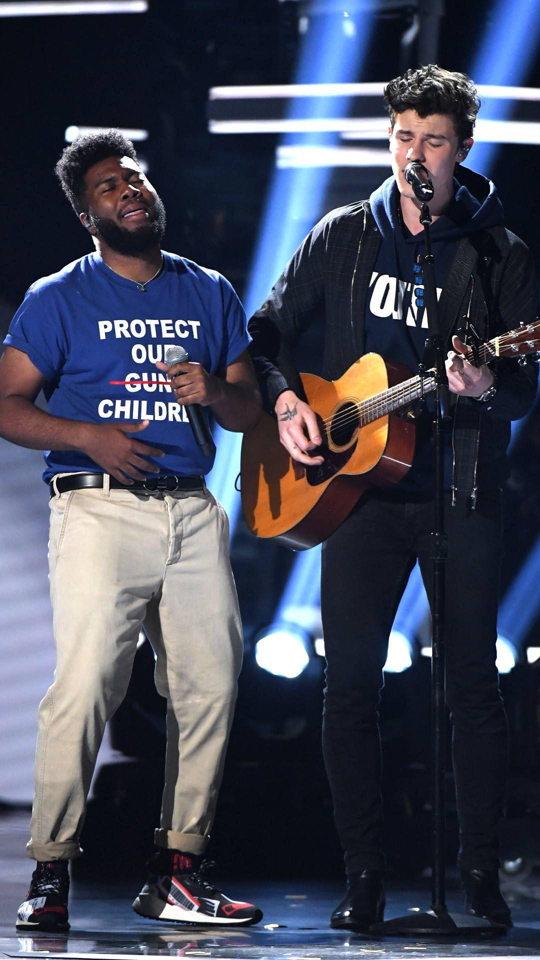 Shawn Mendes Pays Tribute to Victims of Gun Violence at 2018 Billboard Music Awards
