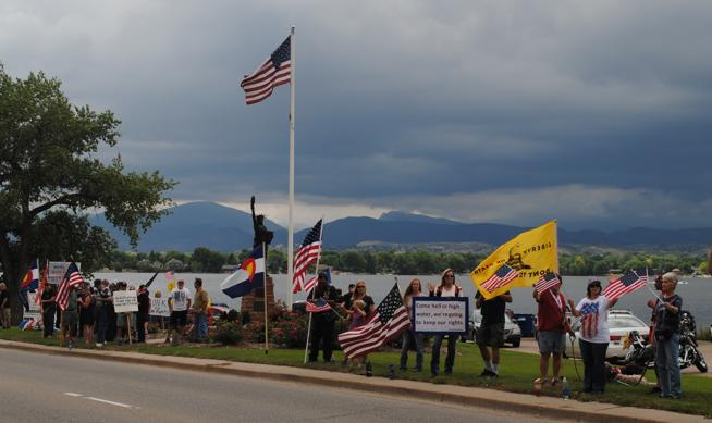 Rally for Freedom lines Loveland thoroughfare