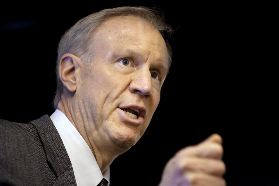 Gov. Rauner signs two gun control bills, says he'll veto another