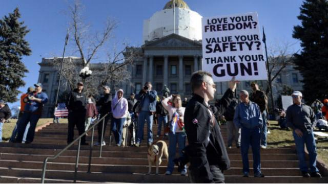 Appeals court rules Constitution protects right to carry gun in public