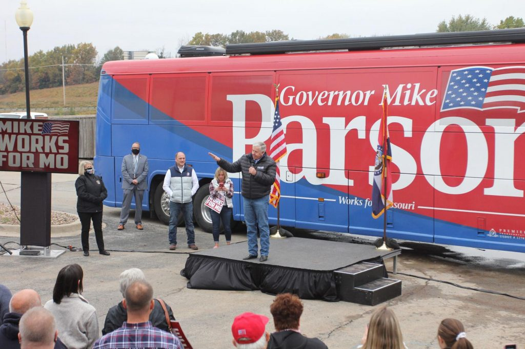Parson hosts campaign rally in Warrensburg